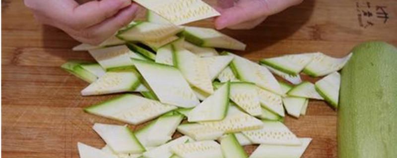 笋瓜怎么切成菱形