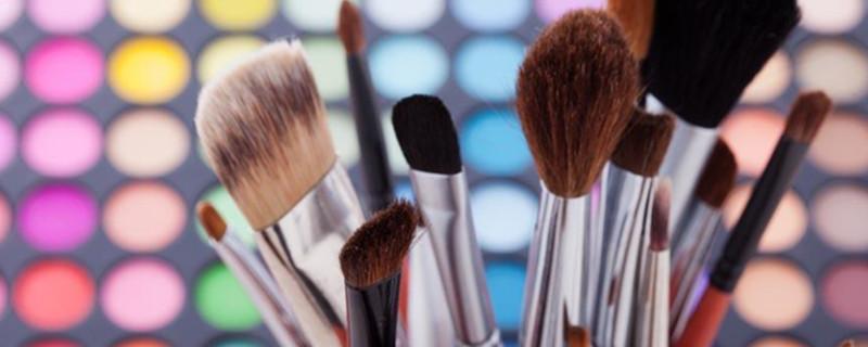 如何化淡妆