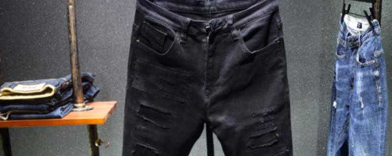 黑裤子粘白毛毛怎么办